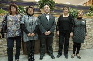 El alcalde alpujarreño, rodeado por el equipo de gobierno municipal.